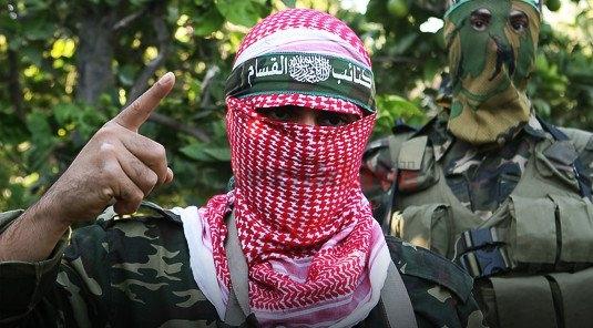"""2 פעילי חמאס מואשמים ביידוי אבנים ובקבוקי תבערה לעבר חיילי צה""""ל"""