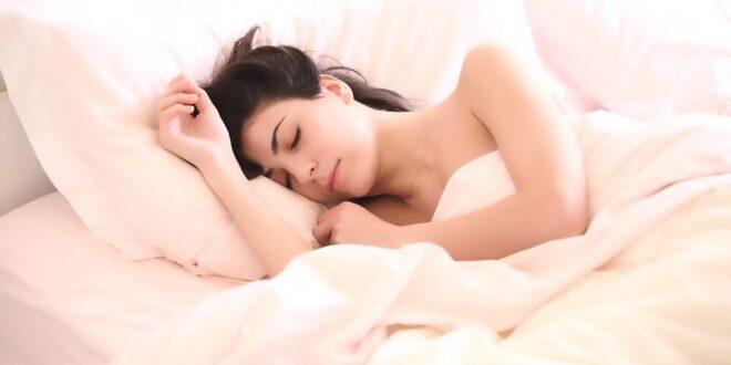 מחקר: טיפול CBT נמצא יעיל בהפחתת נדודי שינה בנשים המחלימות מסרטן השד