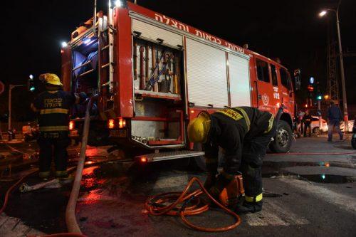 """תל אביב - פיצוץ רכב ברחוב הלח""""י. לוחמי האש..."""