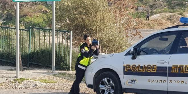 """נהגת רכב נתפסה במהירות 151 קמ""""ש בכביש 60 סמוך לבית אל"""
