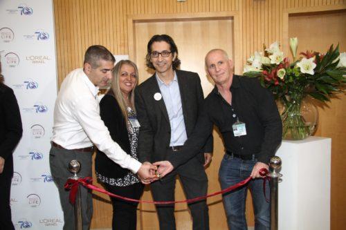 מימין- דר' רענן ברגר, אלי שגיב, סימה אבו ופרופ' יצחק קרייס. צילום: אסף לב