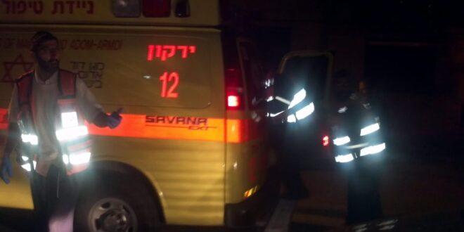 3 צעירים נפצעו בינוני וקל בהתנגשות רכבם בעץ בראש העין