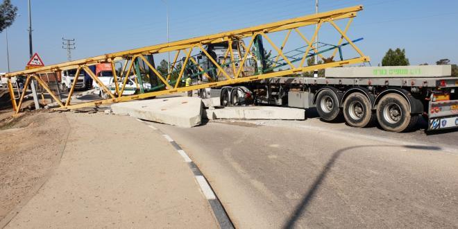 מטען נשמט ממשאית סמוך לנתיבות, כביש 293 נסגר לתנועה