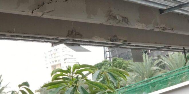 """תל אביב: משאית פגעה בגשר """"בראלי"""" בדרך נמיר"""