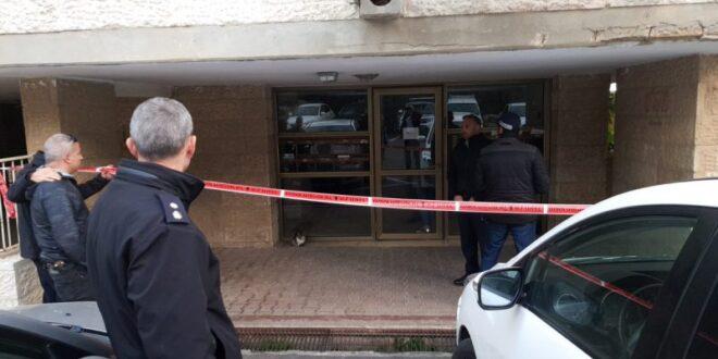 צעיר נורה למוות לאחר שהתקרב לשוטר עם סכין שלופה בידו