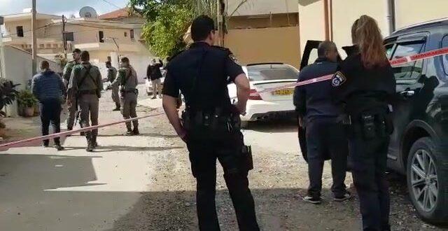 חשד לרצח: גבר נורה למוות בטירה, אמו נפצעה קשה