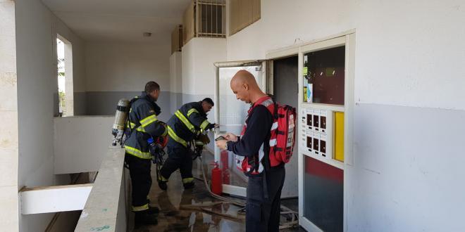 שריפה פרצה בבניין במעלה אדומים, 2 קפצו מהחלון ונפצעו בינוני