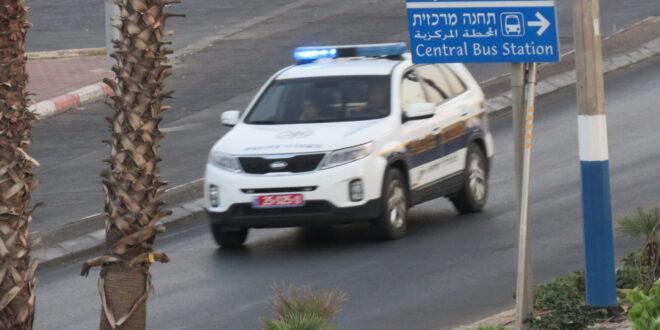 תושב אבו גוש נעצר בחשד שניפץ שמשות של 3 כלי רכב באילת