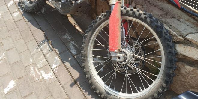 השוטרים נדהמו לגלות: רוכב האופנוע – קטין בן 14 בלבד