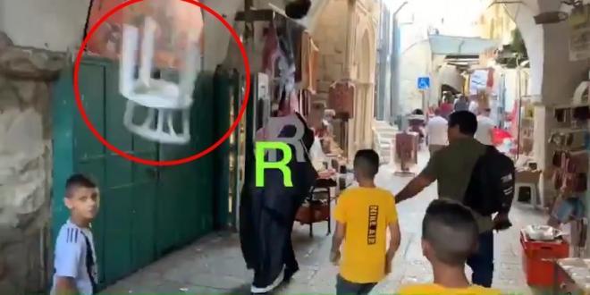 צפו: בלוגר סעודי שתומך בישראל הותקף בביקור במסגד אל-אקצא