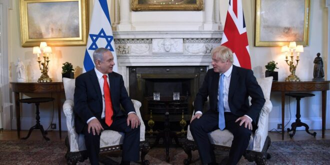 נתניהו לג'ונסון: ישראל מוכנה לנהל מו״מ על בסיס תכנית השלום של טראמפ