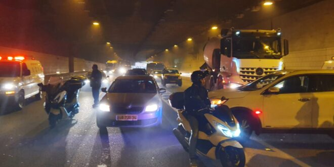 כביש 471 – מחלף בר אילן נחסם לתנועה בעקבות רכב שעולה באש
