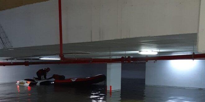 """צוותי יל""""מ פעלו לחילוץ לכודים באשקלון בעקבות הצפות בעיר"""