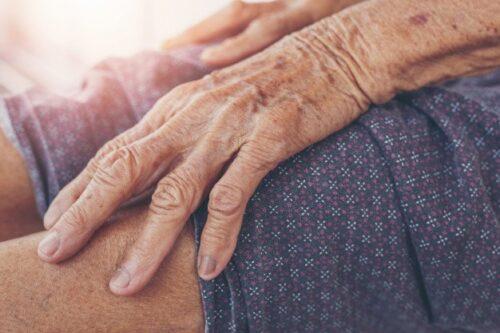 f32f44b2a6a6276d1d31d5bac251089d-500x333 דר רחוב חשוד שתקף קשישה בעת שטיילה ברחוב בנהריה