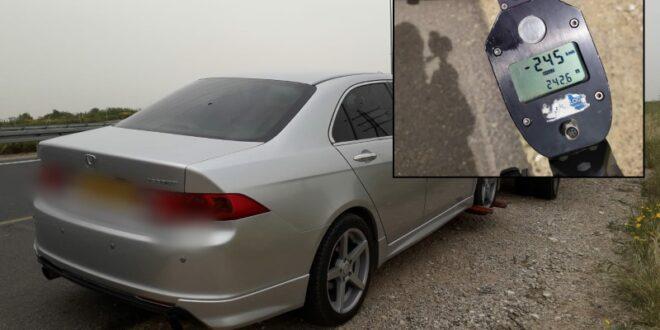 """בן 22 נתפס נוהג ברכב פרטי בכביש 6 במהירות 245 קמ""""ש"""