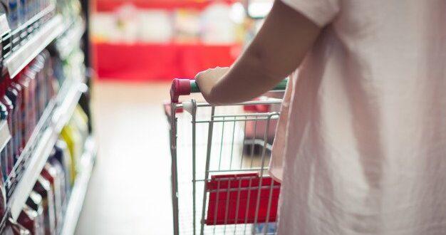 רשת 'יינות ביתן' תספק עשרות אלפי סלי מזון למשפחות בבני ברק