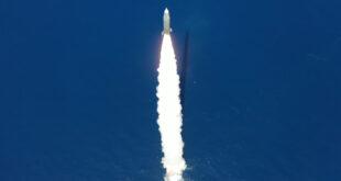 תיעוד: ירי מלב ים – ניווט עצמאי ופגיעה במטרה בדיוק רב