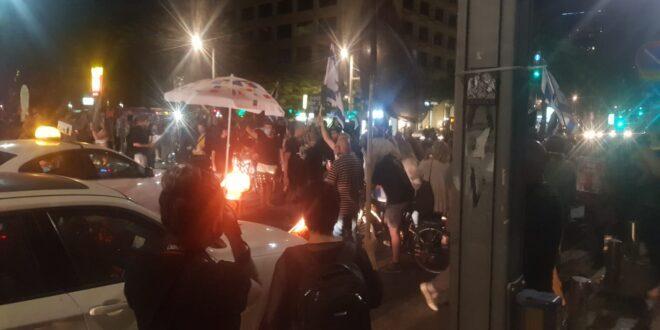 נעצרו 12 מפגינים שחסמו את רחוב אבן גבירול בתל אביב