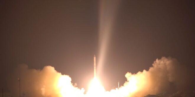 """צפו: שיגור לוויין """"אופק 16"""" לחלל"""