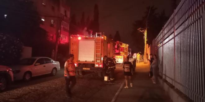 גבר ואישה בני 70 נפגעו באורח בינוני משריפה בבניין מגורים בחדרה