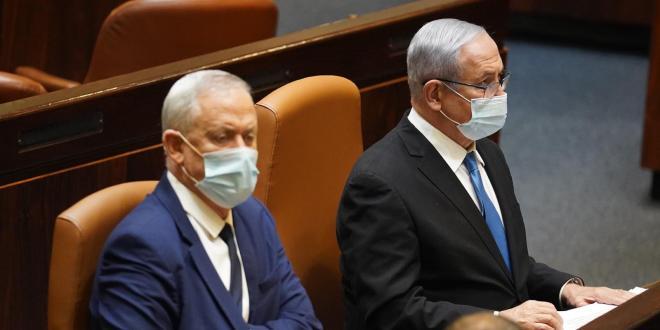 גנץ לנתניהו: כנס את הקבינט לדון בהעברת החיסונים הישראלים למדינות זרות