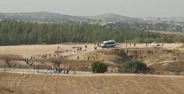 אלפי פלסטינים מסתננים לישראל בכל יום ללא אישור ובידוק