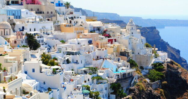 סוכם: תיירים ישראלים יוכלו לבקר ביוון