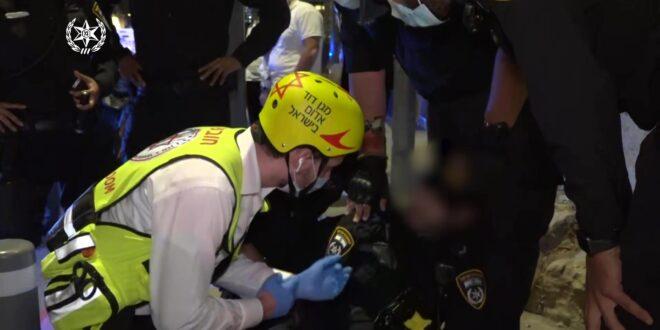 חשוד השליך בקבוק לעבר שיירת כלי רכב בירושלים, שוטר נפצע
