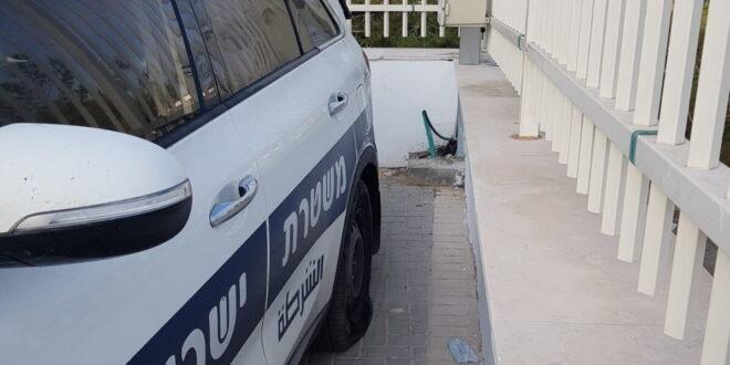 רכב משטרתי נוסף הושחת ביצהר