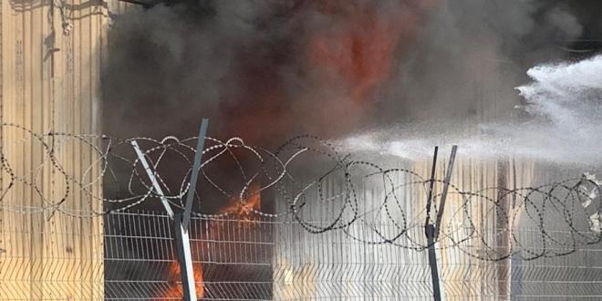 התחדשות השריפה במילואות: מחסן פלסטיק וקרטון עולה באש