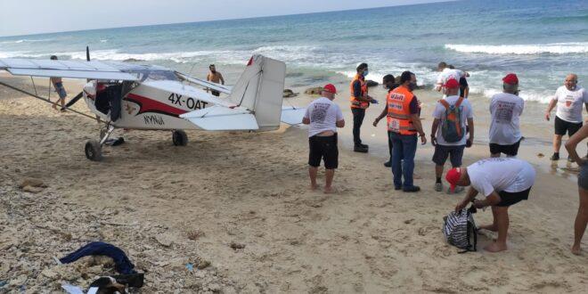 בן 70 נפצע קל בהתרסקות מטוס קל למים בחוף פולג בנתניה