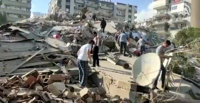 מבנים קרסו על יושביהם: רעידת אדמה בעוצמה 7 הורגשה ביוון ובטורקיה