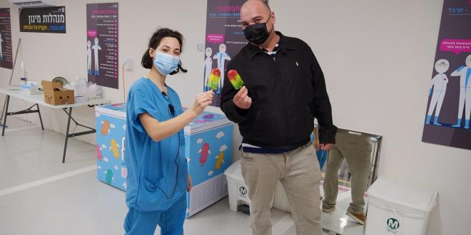 מתנות קטנות: על הקשר בין חולי סרטן, המלחמה בקורונה וקרטיב רמזור