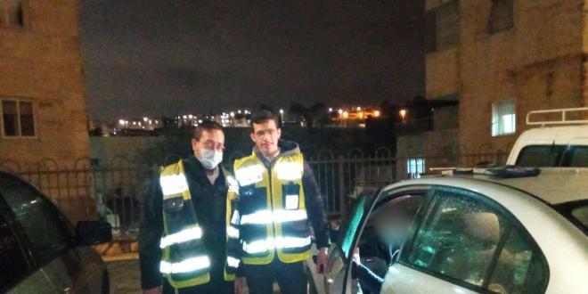 תינוק ננעל בשגגה ברכב בירושלים וחולץ בשלום