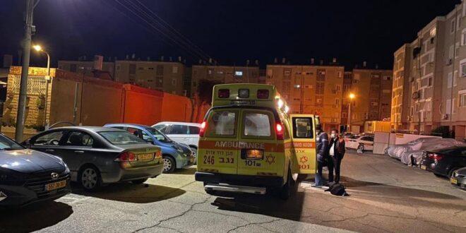 בן 19 נדקר בדימונה ונפצע קשה, החשוד בדקירה נמלט