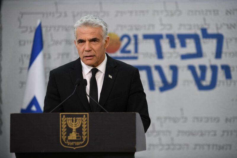 לפיד בפוסט שנוי במחלוקת: שר החוץ לא צריך להיות חלק מדיוני הקורונה