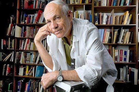 פרופ' אלי קשת הוא חתן פרס ישראל בתחום חקר מדעי החיים