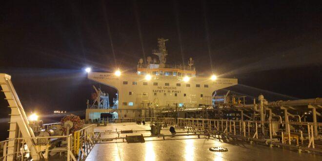 המשרד להגנת הסביבה: האוניה היוונית נוקתה מחשד למעורבות בזיהום הנפט