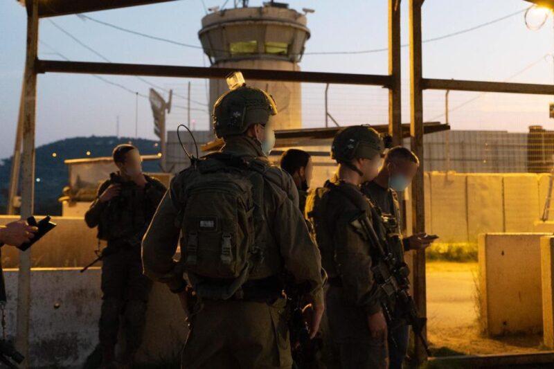 """קצין צה""""ל תועד דוחף מפגין שמאל קיצוני: """"הרש""""פ מתעמרת באמצעות פעילים אנטי ישראלים"""""""
