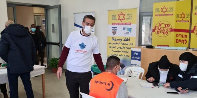 לאחר החלטת הממשלה: החל מבצע החיסונים של עובדי הבניין הפלסטינים