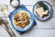 ארוחה חלבית כשרה לפסח: פנה עם פטריות וערמונים בשמנת ויין לבן