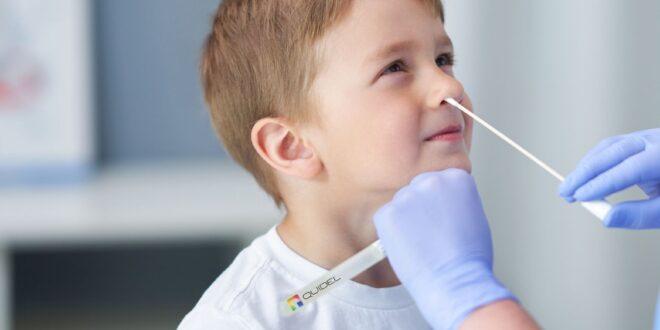 כחצי מיליון הורים עדיין לא הגיעו לקחת את ערכות בדיקת האנטיגן לילדים