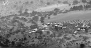 תיעוד מהמסוק המשטרתי - הכוחות בשטח עוצרים את החשודים בשוד וחטיפת נשק מ...