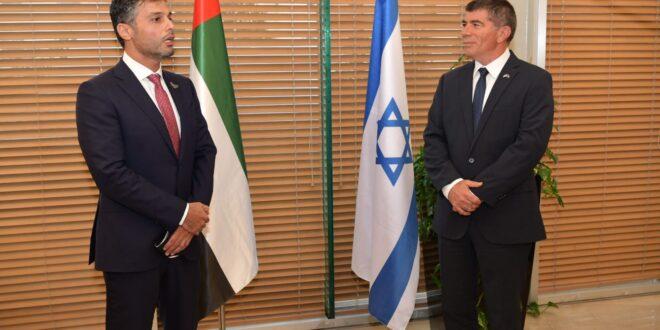 """שר החוץ אשכנזי לשגריר הראשון של האמירויות: """"יום היסטורי נוסף במזרח התיכון"""""""