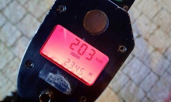 """תושבת באקה אל גרביה בת 20 נתפסה נוהגת במהירות חריגה של 203 קמ""""ש"""