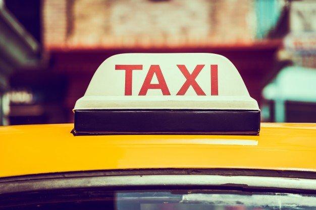 """נהג מונית סירב להסיע נכה כי במוניתו נוסעים """"רק אנשים מכובדים"""" – ויפצה אותו ב- 10,000 ש""""ח"""