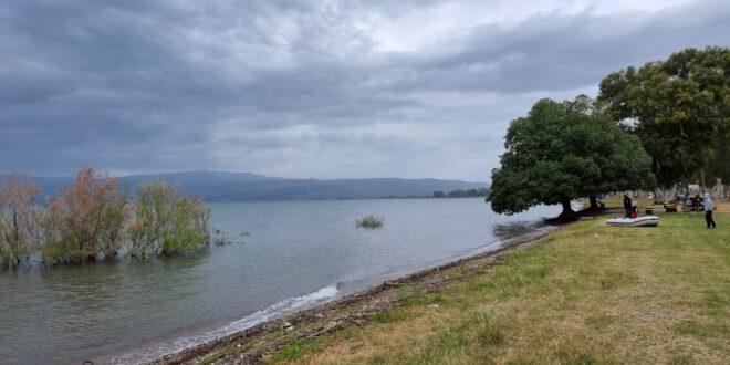 בוקר קריר בחופי הכינרת: אזהרה מפני היסחפות לעומק האגם