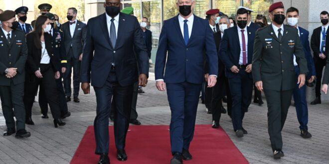 גנץ לאחר הפגישה עם מזכיר ההגנה האמריקאי: נמשיך לעבוד יחד כדי להגן על ישראל