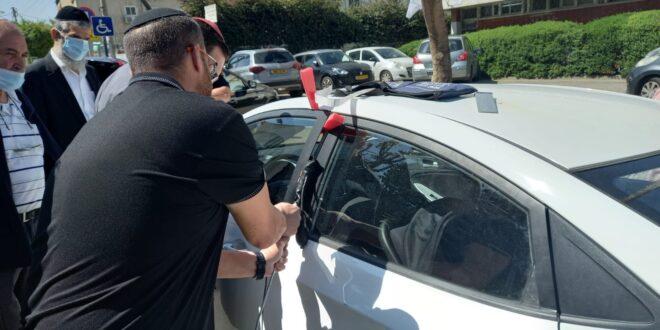 קרית אתא: פעוט בן שנה ננעל בשגגה בתוך רכב וחולץ בשלום