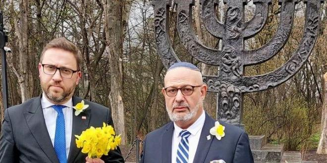 78 שנים למרד גטו ורשה: שגרירי ישראל בעולם התגייסו לקמפיין הנרקיסים הצהובים